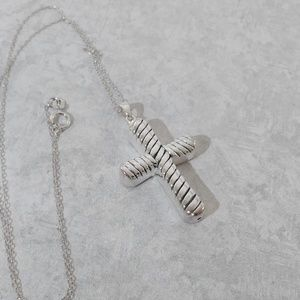 Jewelry - JUST IN ⚘ Sterling Silver Cross Pendant with Chain